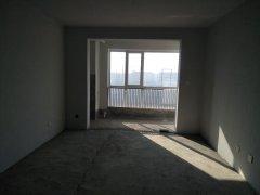 润景华庭 121.7平方米 三室两厅 4楼  64.5万